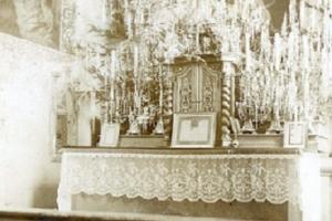 Boże Narodzenie w 1950 r. kościele parafialnym w Rozmierzy. Zbiory Piotr Smykała
