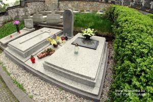 Mogiła Kadetów na cmentarzu na Górze św. Anny