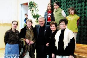 Jan Goczoł (w srodku) na spotkaniu w Rozmierzy w 2005 r.
