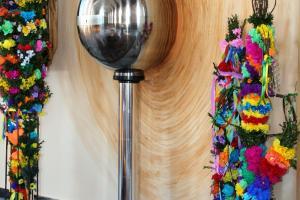 Niedziela Palmowa w Rozmierce. Palmy wykonane przez dzieci.