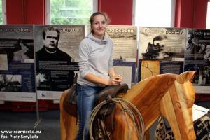 Gabrysia na koniu w siodle teksańskim