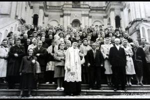 Uczestnicy pielgrzymki do Wambierzyc z ks. Alojzym Budniokiem